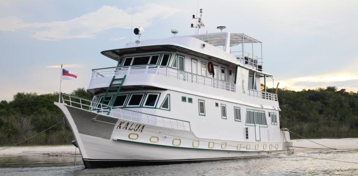Kalua Boat Hotel